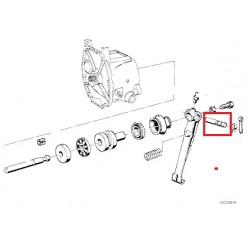 axe de 8 levier d'embrayage boite 5 avant 81